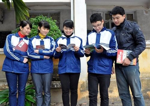 xuong-cong-ty-may-ao-khoac-ao-gio-cho-hoc-sinh-cac-truong-hoc-1