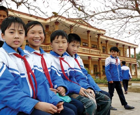 xuong-cong-ty-may-ao-khoac-ao-gio-cho-hoc-sinh-cac-truong-hoc-2