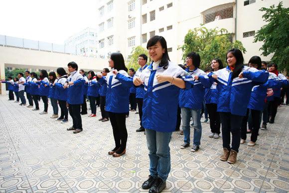 xuong-cong-ty-may-ao-khoac-ao-gio-cho-hoc-sinh-cac-truong-hoc-3
