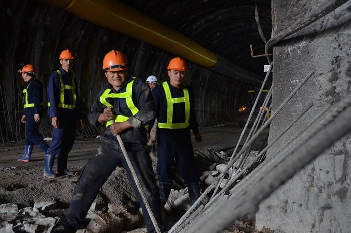 Áo công nhân xây dựng cầu đường