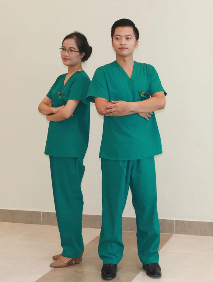 Áo bác sĩ phẫu thuật mẫu 4