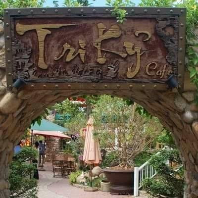 Quán Tri Kỷ Cafe & Hồ Bơi
