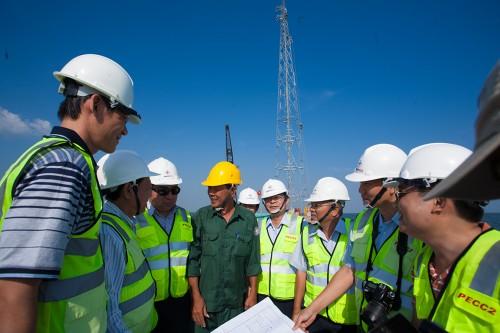 Trang phục kỹ sư và công nhân xây dựng