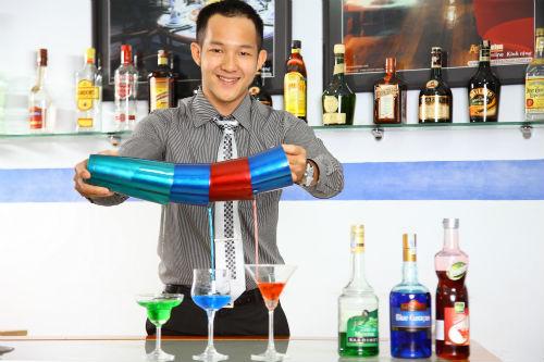 Đồng phục cho nhân viên Bartender phục vụ quầy Bar 3