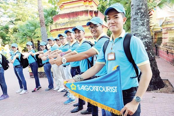 Đồng phục năng động ấn tượng cho hướng dẫn viên du lịch 2