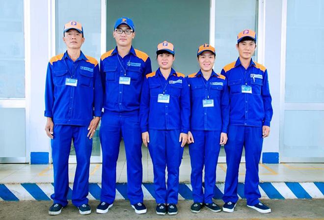 Quần áo bảo hộ lao động đẹp cho nhân viên trạm bán xăng