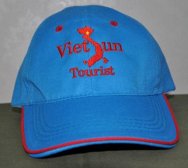 Quảng cáo thương hiệu với nón kết quà tặng khách hàng 4