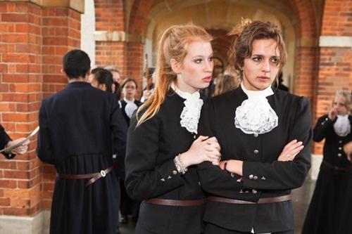 Đồng phục học sinh Anh Quốc