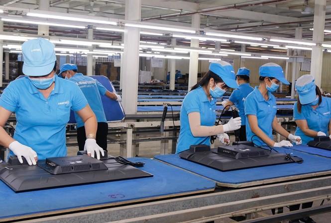 May áo thun đồng phục cho công nhân giá rẻ tại TPHCM 1