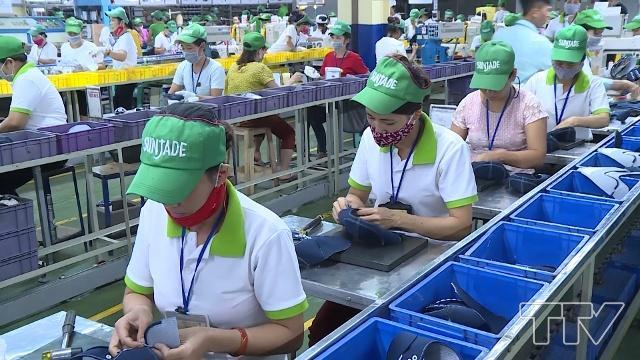May áo thun đồng phục cho công nhân giá rẻ tại TPHCM 2