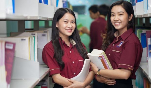 Đồng phục của trường Đại học Nguyễn Tất Thành