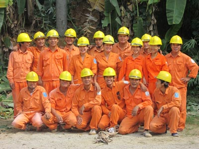 Công nhân điện lực