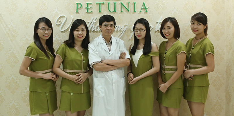 Mẫu đồng phục viện thẩm mỹ Quốc tế Petunia