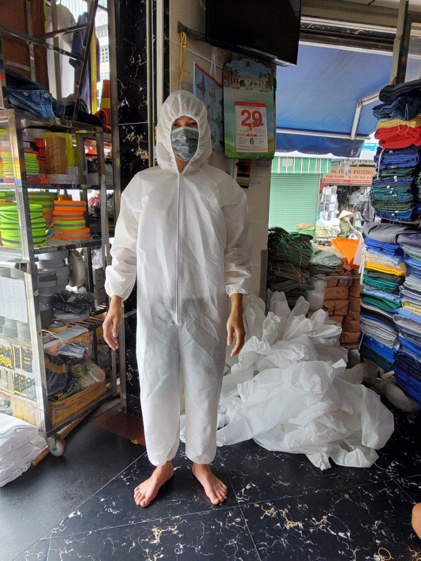 quần áo bảo hộ Y tế phòng chống dịch dùng 1 lần màu trắng 1
