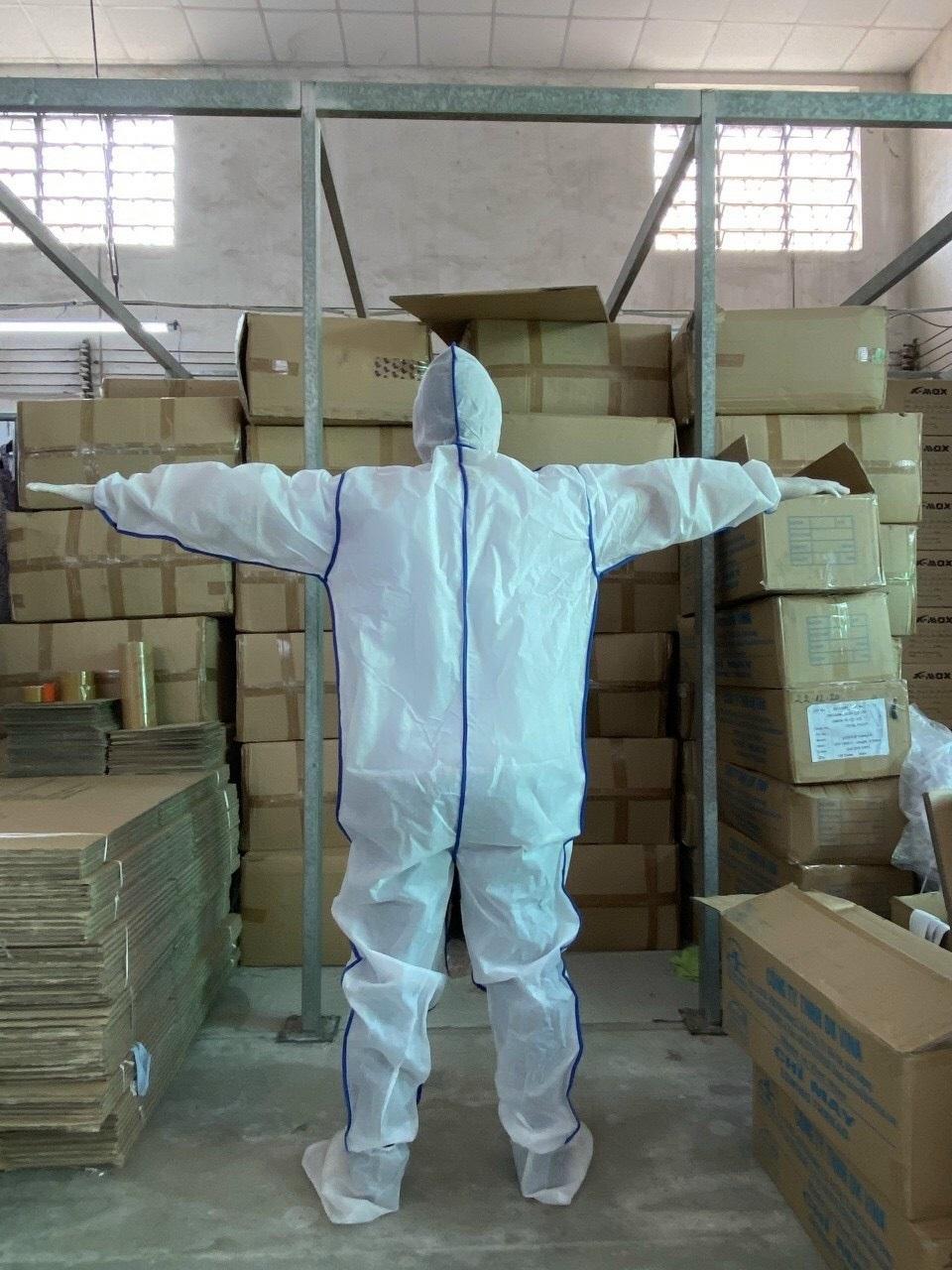 quần áo bảo hộ Y tế phòng chống dịch dùng 1 lần màu trắng 5